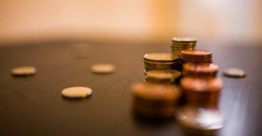 cum sa salvezi banii atunci cand esti student